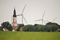 The ambitious transition to climate-friendly energy provision is moving ahead in all federal states. But from region to region there are huge differences. Photo: UFZ / André Künzelmann