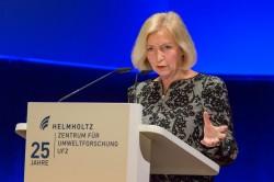 Bundesforschungsministerin Prof. Johanna Wanka bei ihrer Festrede im Leipziger Gewandhaus. Foto: Klaus-Dieter Sonntag