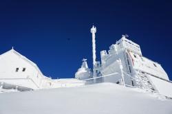 Forschung zu den Auswirkungen des Klimawandels auf die Kryosphäre 3.100 Meter über dem Meeresspiegel / Sonnblick-Observatorium im