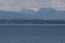 Der Chiemsee in Bayern, einer von 702 Seen weltweit, die Teil der Studie sind.