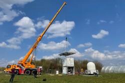 Aufbau des KITcube Niederschlagsradars zur Niederschlagsmessung in einem Umkreis von 100 Kilometern in der Region Schwäbische Alb/Neckartal.